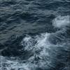 portoroz-more-vlny-u-lodi