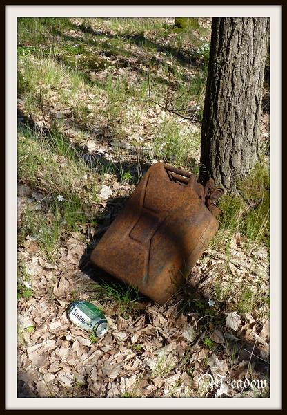kralova-stolice-odlozeny-kanystr